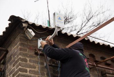 Встановлення вимірювальних станцій для моніторингу повітря в Україні
